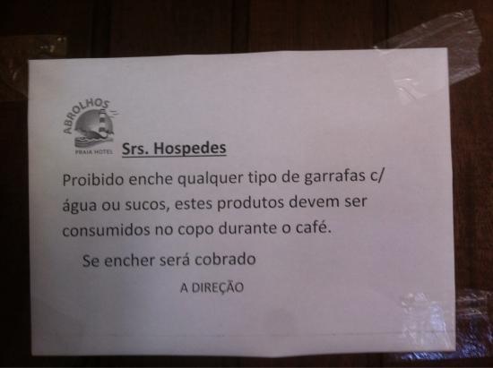 Abrolhos Praia Hotel: Grosseria desnecessária  Português pobre