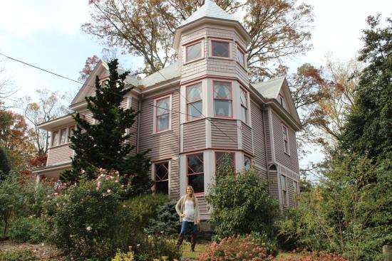 27 Blake Street Bed & Breakfast: Beautiful late 1800's home