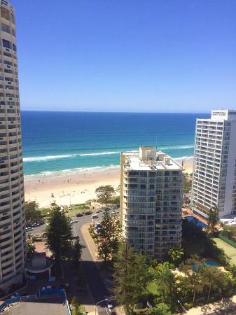 QT Gold Coast: Distance to the beach from the hotel