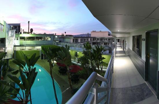 Hotel La Mesa: Vista a la alberca