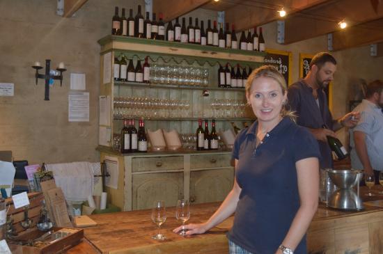 Mudbrick Vineyard & Restaurant: Tasting Room