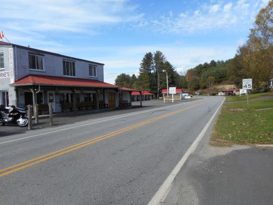 Freeborne's Eatery & Lodge: Laurel Springs