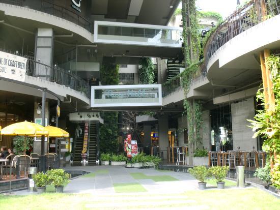 Rain Hill Plaza