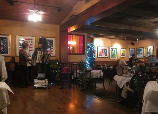 Blue Dog Cafe : Music in the bar