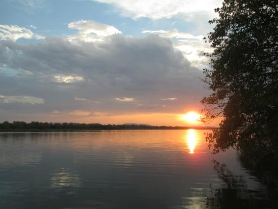 Discovery Parks - Lake Kununurra: Sunset over Lake Kununurra