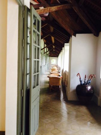 Amantaka: Restaurant's veranda
