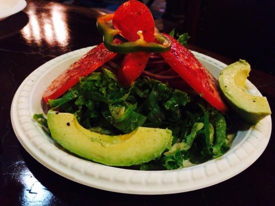 El wagon: Excellent salad too, best avocado I tasted in CR