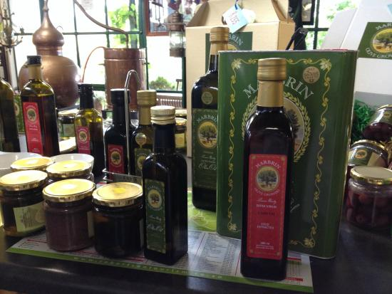 Marbrin Olive Farm: Shopping at it's best, direct from the farm