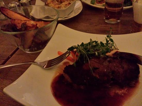 Grappa - Coffehouse Bar Restaurang Lounge : Entrecote. Gott men liten! Se gaffeln