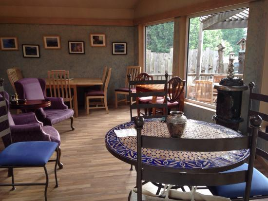 WildSpring Guest Habitat : Guest Hall fronting the Oregon coast