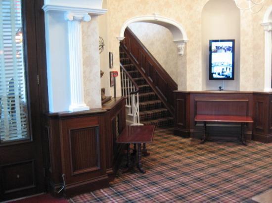 Lord Hill Hotel: Foyer