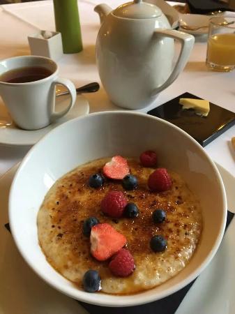 Hammet House: Penderyn glazed porridge