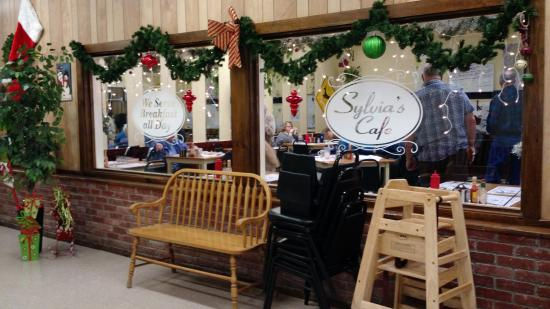 Sylvia's Cafe: Looking In Cafe