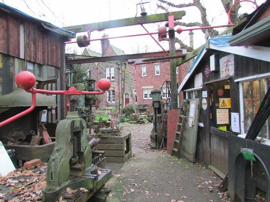 Fred Dibnah Heritage Centre: Fred's yard and house