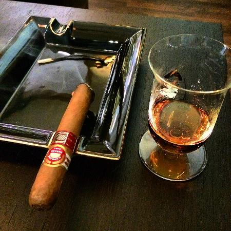 Old Havana Cigar Shop & Lounge