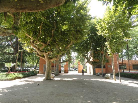 Parque de la Dehesa (Parc de la Devesa): Uno de los accesos dels Jardins