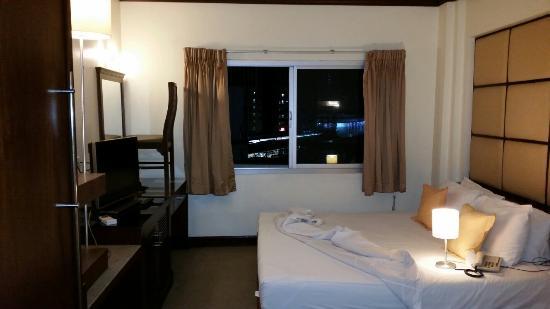 Grand Business Inn: Room view
