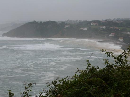 Camping International Erromardie: Coast can get wild