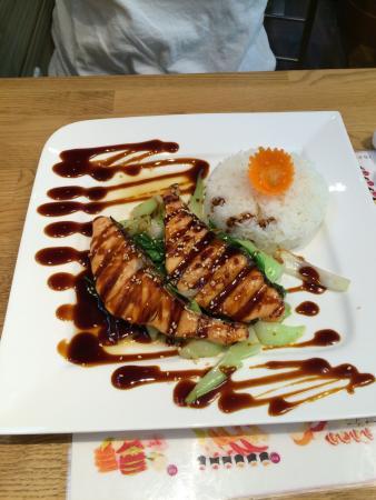Tuky Thai + Sushi