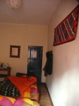 Flying Dog Hostel Cusco: Habitacion