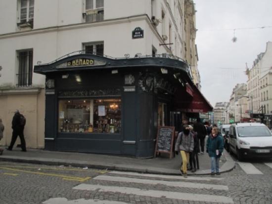 L'epicerie du Terroir, 26 Rue Lepic,  Montmartre: 外観