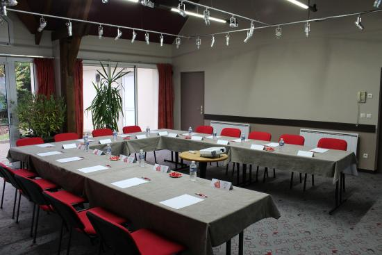 Hotel Ibis Essomes-sur-Marne : Meeting Room