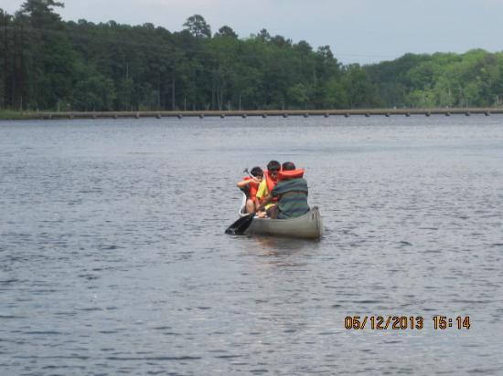 Newport News Park: Canoeing the park