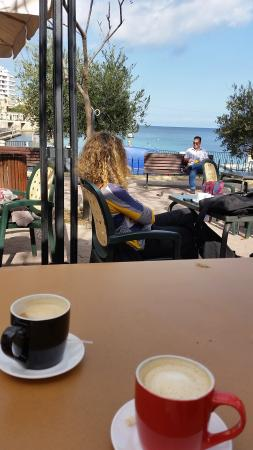 Balluta Square: relax with good coffee