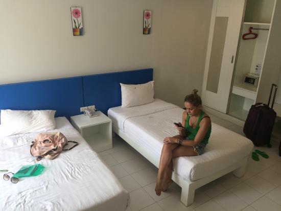 Baramee Hip Hotel: Комната