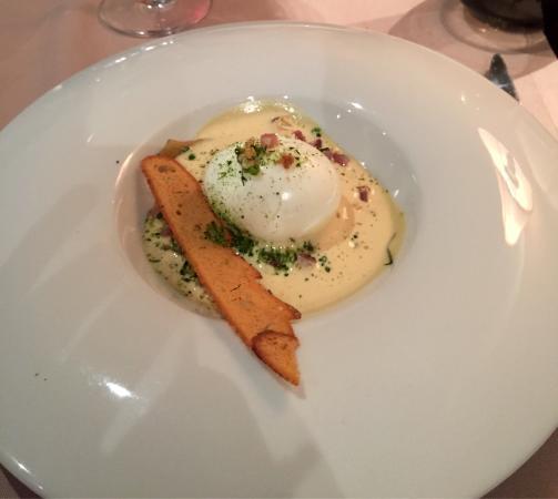 FENETRE SUR COUR: entrée formule du marché: œuf mollé estima de foie gras