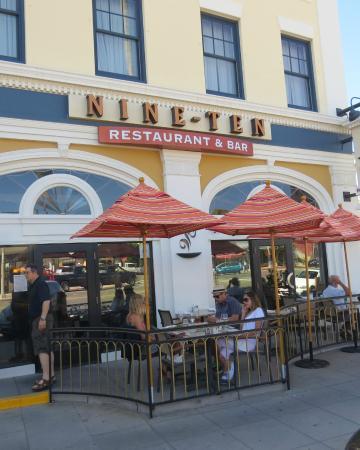 NINE-TEN Restaurant & Bar : Nine-Ten Exterior Nine-Ten Restaurant, Grande Colonial Hotel, photo by Mike Keenan