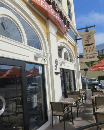 NINE-TEN Restaurant & Bar : Exterior Nine-Ten Restaurant, Grande Colonial Hotel, photo by Mike Keenan