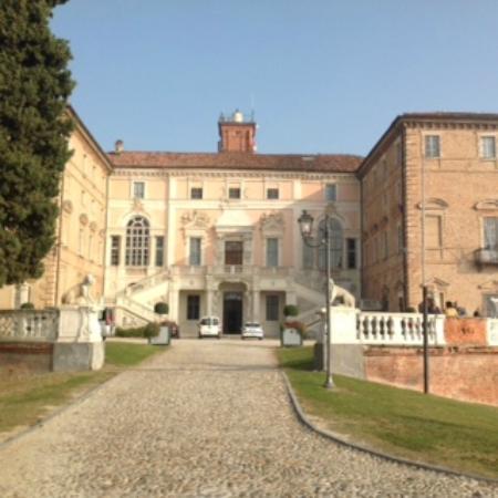 Ca Alfieri al 30 B&B Camere di Charme: Castello di Govone