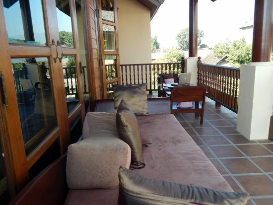 Shewe Wana Suite Resort: private outdoor living space