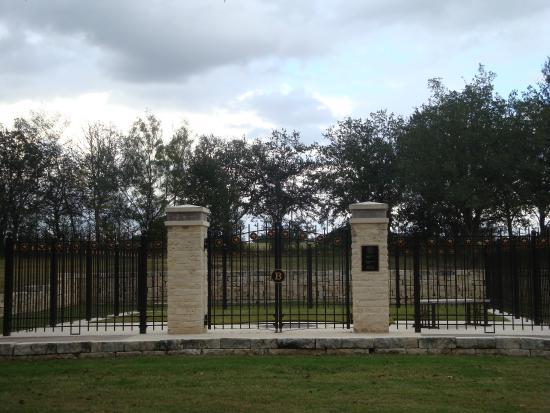 Bush Family Gravesite Picture Of George Bush Presidential Library