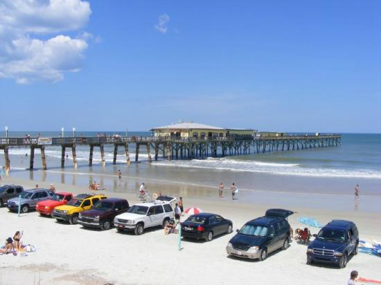 Sunglow Fishing Pier in Daytona Beach Shores