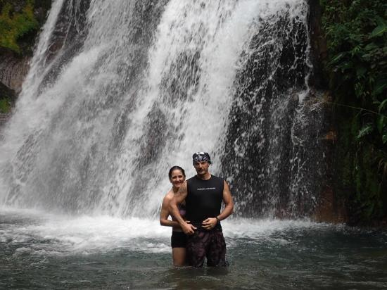Costa Rica Private Tours: Waterfall
