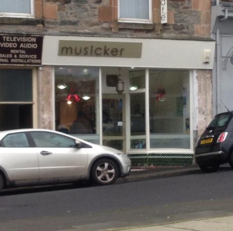Musicker Cafe