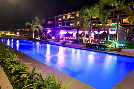 Tropika Swimming Pool With Colour Changing Pool Lights Picture Of Hotel Tropika Davao Davao