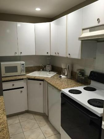 Coral Reef Guesthouse: Kitchen