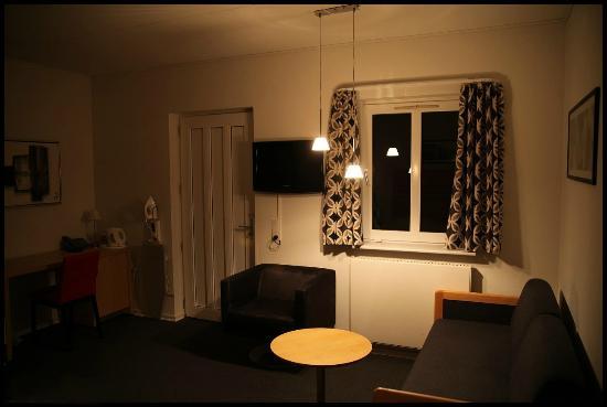 Hotel Svanen: Værelse set fra sengen