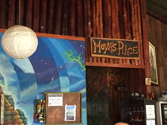 Moya's Place: The restaurant