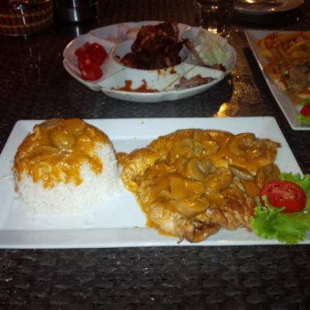 Lagoon Restaurant: chicken diane with rice