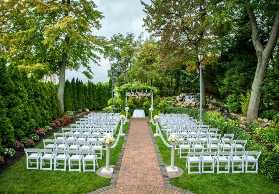 Fox Hollow Catering Outdoor Chapel At The