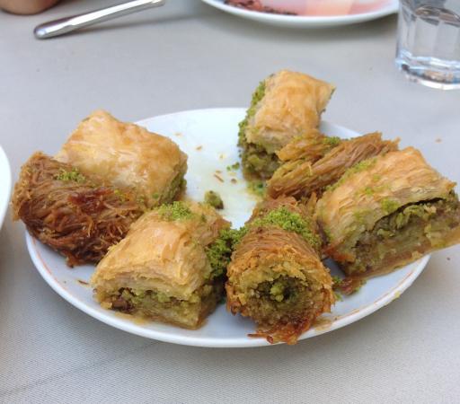 Antepli Et Lokantasi & Tatli: Our baklava desert