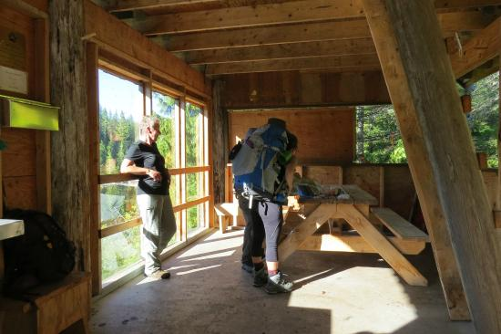 Elk Lake Hut Inside Picture Of The Sunshine Coast Trail