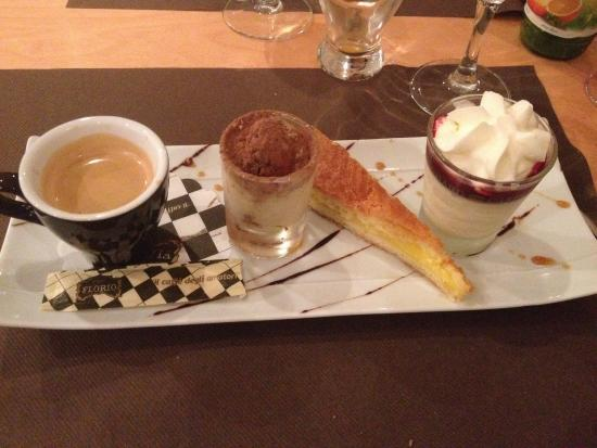 LE GRENADIN : Excellent cafe gourmand
