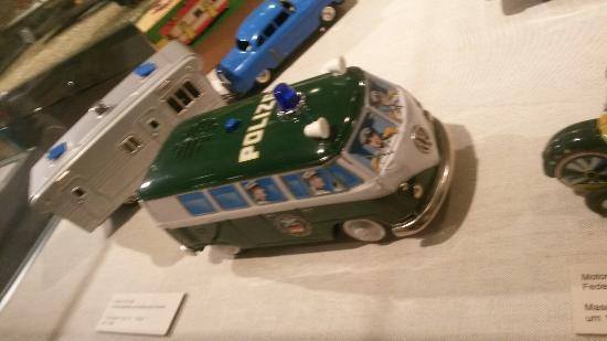 Nuremberg Toy Museum (Spielzeugmuseum) : Model police van