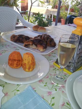 Bed & Breakfast Zaccaria: Breakfast al Fresco