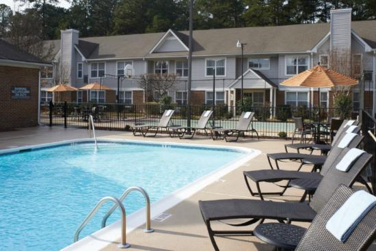 Residence Inn Pinehurst Southern Pines: Outdoor Seasonal Pool U0026 Hot Tub